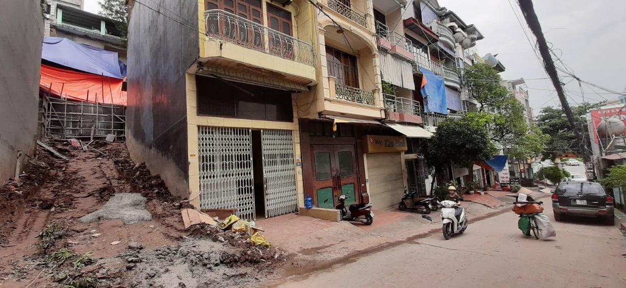 Hiện trạng mặt bằng trước khi xây dựng tại Dốc ngân hàng cũ, tại phường Hồng Hải, thành phố Hạ Long, tỉnh Quảng Ninh