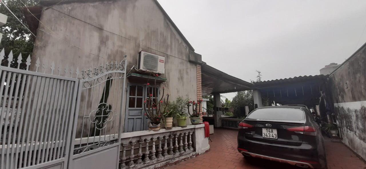 Tư vấn Phan Thịnh khảo sát hiện trạng khu đất trước khi xây dựng tại phường Giếng Đáy