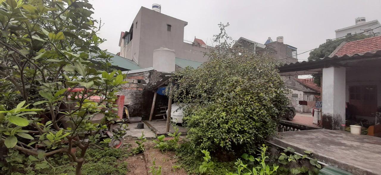 Hình ảnh khu đất khảo sát trước khi thiết kế nhà tại Quảng Ninh