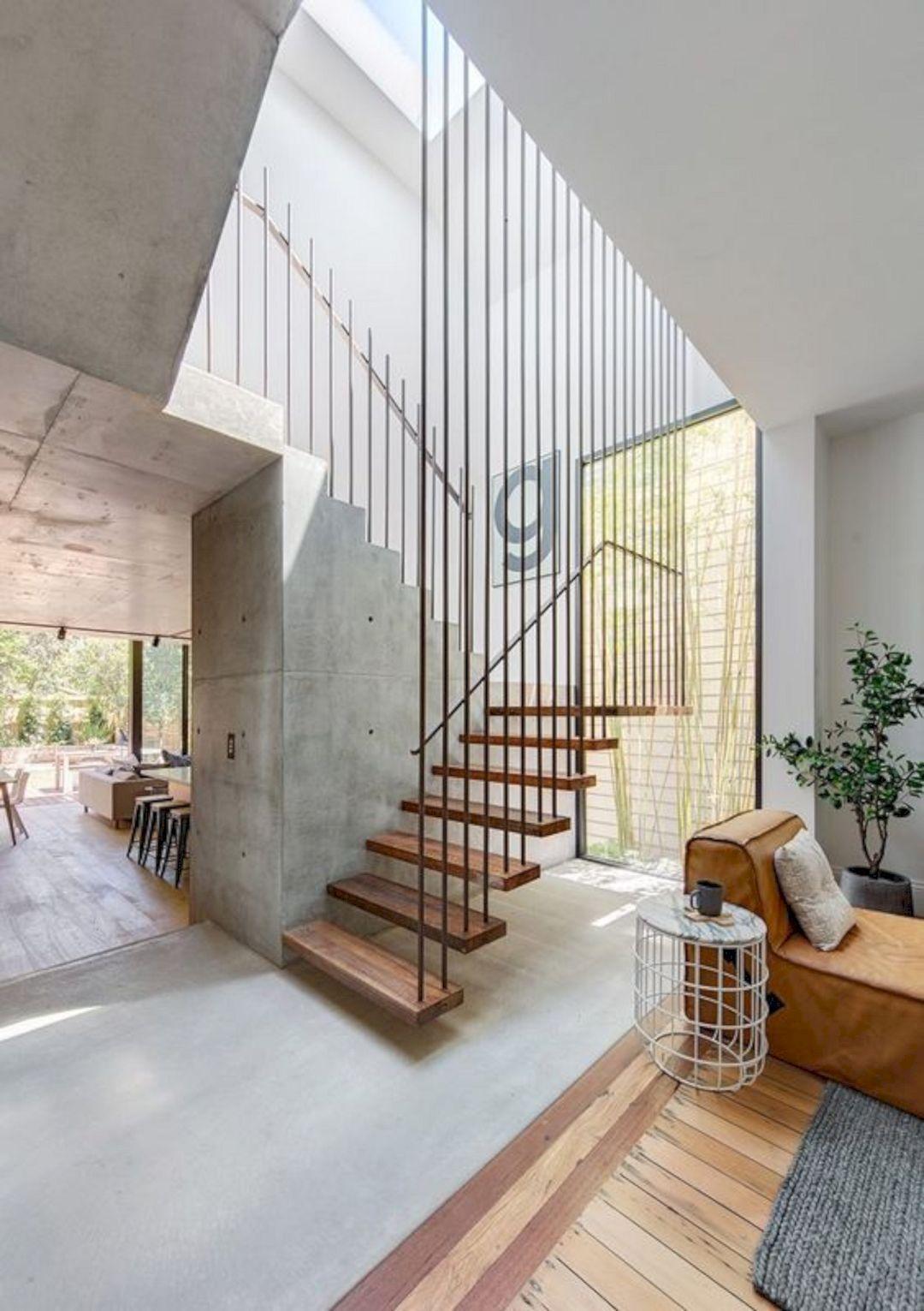 Cầu thang có lưới an toàn