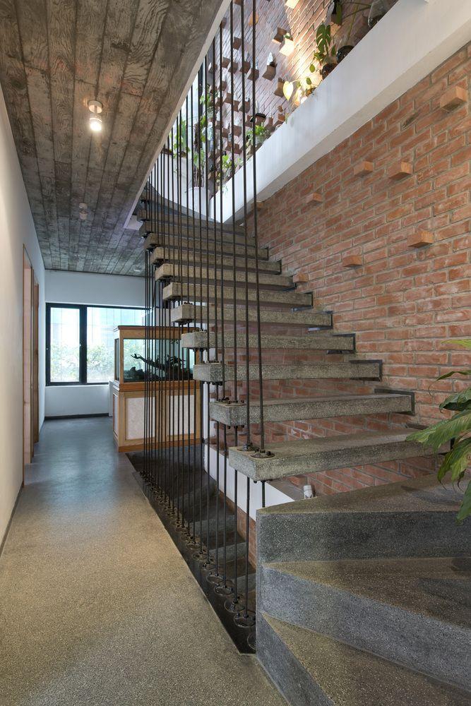 Cầu thang mặt bậc giả đá