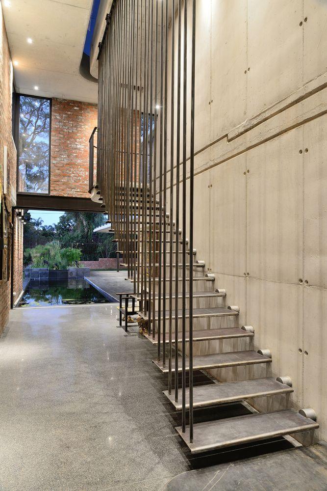 Cầu thang sử dụng kết cấu thép