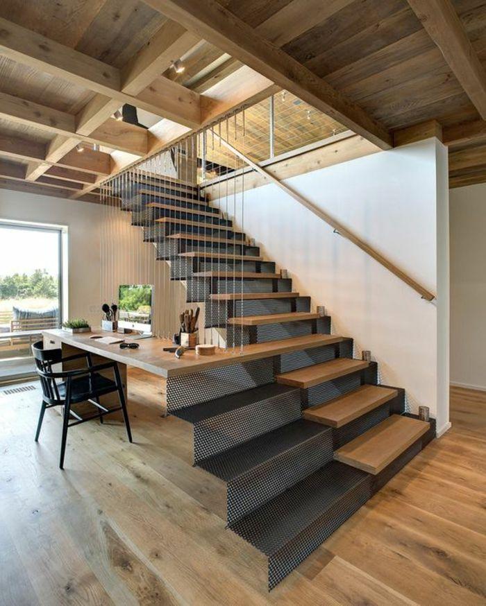 Cầu thang có thiết kế sinh động cho căn nhà gỗ