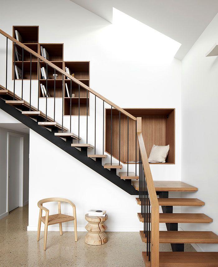 Cầu thang 2 nhịp có thiết kế đơn giản