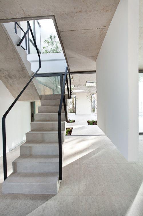 Cầu thang cho ngôi nhà có thiết kế tối giản