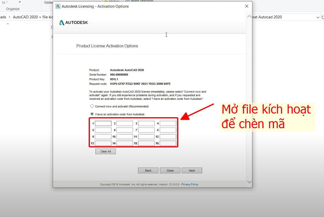 Mở file kích hoạt để chèn mã