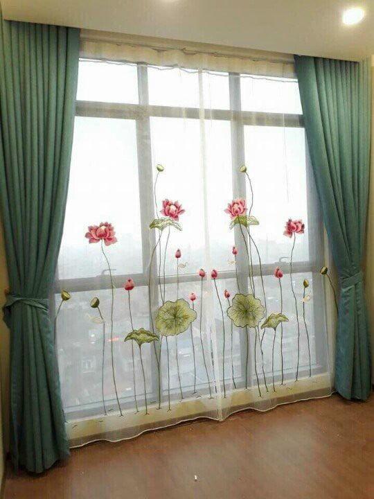 Mẫu rèm vải 2 lớp voan thêu hoa sen