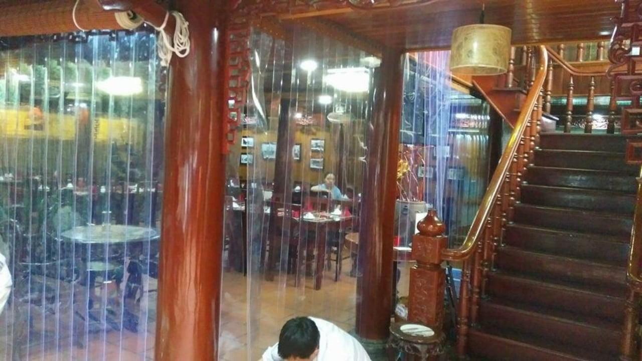 Hình ảnh lắp Rèm ngăn lạnh PVC tại nhà hàng ở Hạ Long, Quảng Ninh