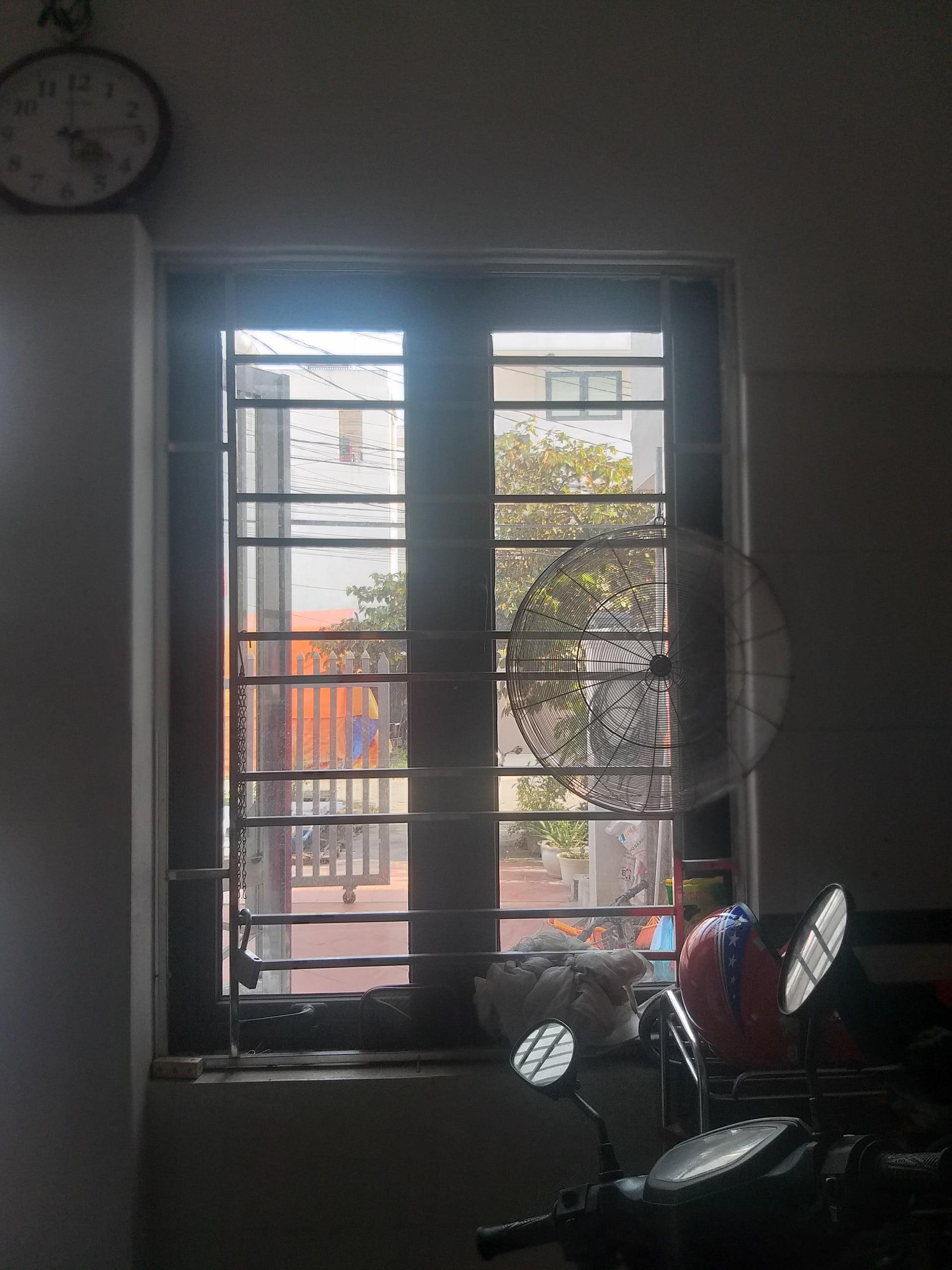 Hình ảnh cửa sổ bếp khi chưa có rèm