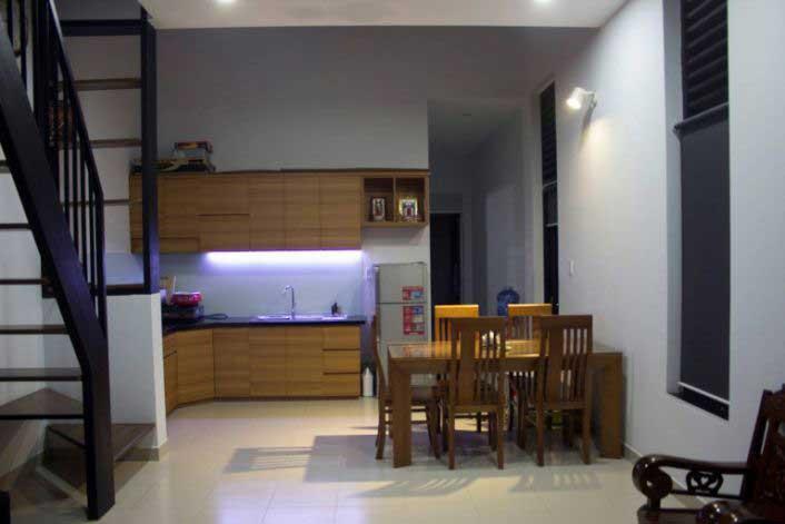 Không gian phòng bếp nhà phố 400 triệu 2 tầng